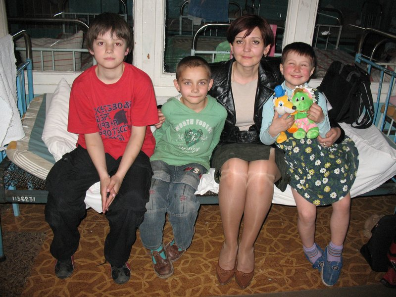 LIKAR.INFUND Помощь детям без родительской опеки. Шостка туберкулезный санаторий